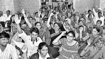 Clear pending wages: MGNREGA workers