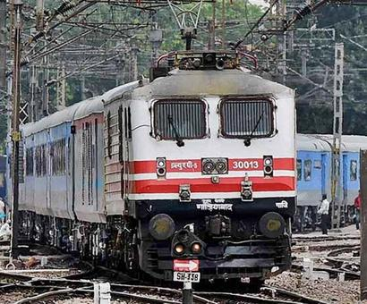 Gatiman Express rams into dead end at Agra station