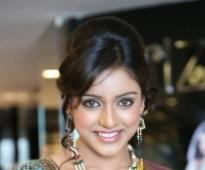 Vithika turns stylist for 'Prema Ishq Kaadhal' (With Image)