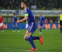 Watch: Edin Dzeko loses temper in bizarre fashion, pulls opponent's shorts down