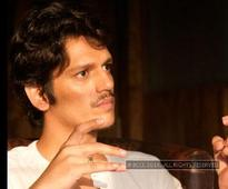 Pink actor Vijay Varma besotted by his co-star Amitabh Bachchan