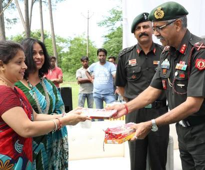 Women send rakhis for jawans at Doka La, Siachen