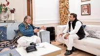 Bicycle Diaries: EC says Akhilesh faction 'real SP', Lalu asks Mulayam to give 'blessings'