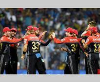 IPL 9: Watch AB de Villiers, Stuart Binny's breathtaking catches against Mumbai Indians