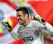 Benfica extend Julio Cesar contract   Lisbon: Portuguese champions Benfica have secured the s...
