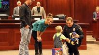 Video: Texas cop administers CPR to toddler, saves his life