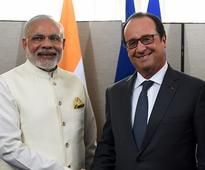 PM Modi, Hollande to launch international solar alliance at Paris climate change meet