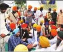 Won't cremate Sikh activist till accused are held: Protesters