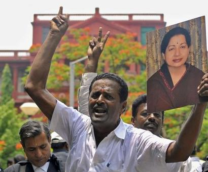 Chennai erupts in joy as Amma set to become CM on Saturday