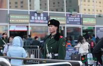 Armed police work Spring Festival travel rush in Beijing