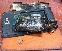 DGCA bans Samsung Note 2 from check-in bags