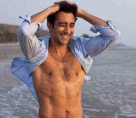Rahul Khanna's Instagram Pictures Are Droolworthy Beyond Words!