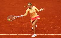 Victoria Azarenka withdraws from Wimbledon after failing to recover from French Open knee injury