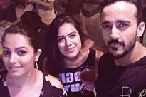 Nia Sharma, Anita Hassanandani enjoy girls night on Thursday; see pics