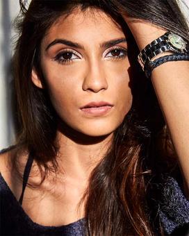 Meet Deepak Tijori's daughter, Samara