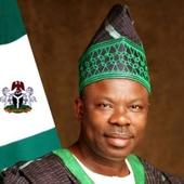 Amosun hosts first NUJ National Summit