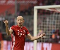 Robben extends Bayern contract to 2018