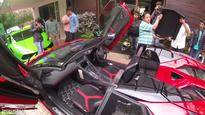 Bikers chase Lamborghini Aventador SV Roadster, what the owner did next will surprise you