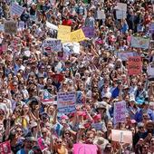 'Sister Marches' Protesting Trump Begin in Australia, New Zealand
