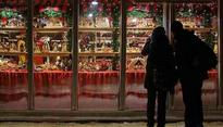 Merry X'mas: Festive fervour grips the nation