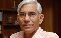 Railway Minister Suresh Prabhu Seeks Former Top Auditor's Help