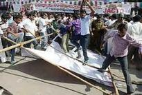 Telangana row: Govt employees in Seemandhra call off their strike
