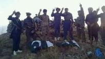 Pakistan flag removed from Durand line by Pashtuns