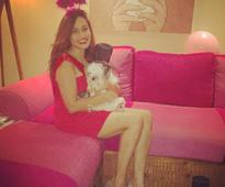 Shweta Pandit glows in red at her bachelorette, see pics of the bride-to-be with her friends