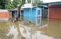 Rain floods Alipurduar, Jalpaiguri