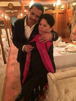 Don't stoop so low! Vadra lashes out at media over security cover for mom
