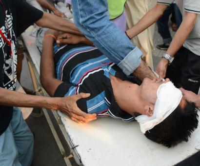 Mani Shankar Aiyar visits Srinagar hospital to meet victims, gets thrown out by protestors
