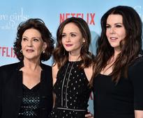 'Gilmore Girls' Will Be Featured In EyeCon Genesis  Convention Together With Other TV Series, Gossip Girl And 90210