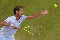 Gasquet eases into last 16 at Wimbledon