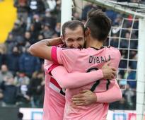 Juventus wins 4-0 at 10-man Udinese, Roma held 1-1 by Verona