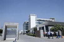 HCL Tech falls; Dollar revenue growth lags estimates
