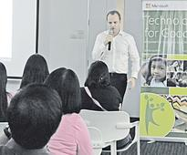 Microsoft CORP. to give more software to PHL nonprofits