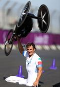 Former F1 driver Alex Zanardi defends Paralympics title 15 years after losing his legs in horrific crash