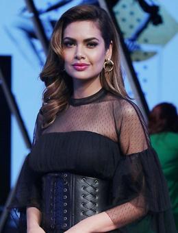 Spotted @LFW: Esha Gupta's kinky corset look