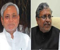 Sushil Modi claims Independents,Congress distancing from Nitish