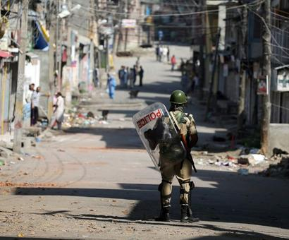 After a day of violence, curfew remains imposed in Kashmir