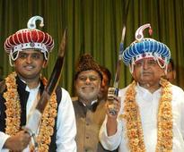 New year thaw in SP as Mulayam revokes sacking of two ...