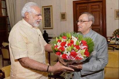 First anniversary: PM Modi meets President Mukherjee, VP Ansari