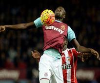 Reprieve for West Hams Kouyate as FA rescind red card