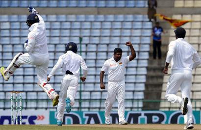 PHOTOS: Australia vs Sri Lanka, 1st Test, Day 2