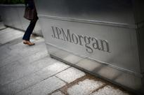 JPMorgan buoys itself with loan growth in swamp of low rates