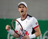Andy Murray reaches last 16 with easy victory over Sam Querrey