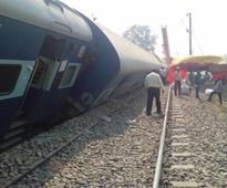 Delhi- Faizabad Express drailed near Garmukheteshwar