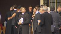 Raw: Lou Vincent makes surprise appearance at Martin Crowe's funeral