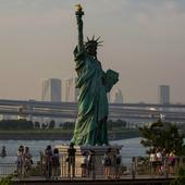 Statue of Liberty to reopen, post bomb threat