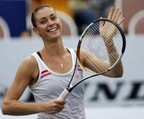 Miami Open: Flavia Pennetta books second round clash with Serena Williams